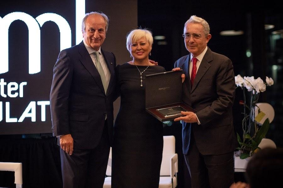 Dr. Álvaro Uribe, premio Mastermind Latino 2018
